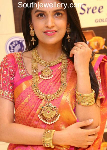 Sree Kumaran Thangamaligai jewellery collection