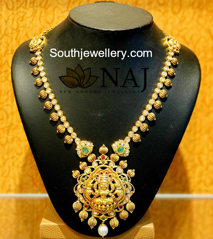 Traditional Gold Necklace - Jewellery Designs