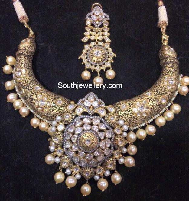 Antique Polki Diamond Necklace Set