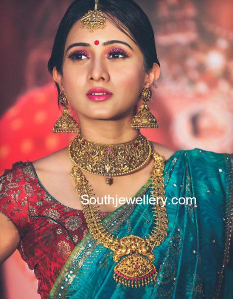 harshika poonacha gold jewellery