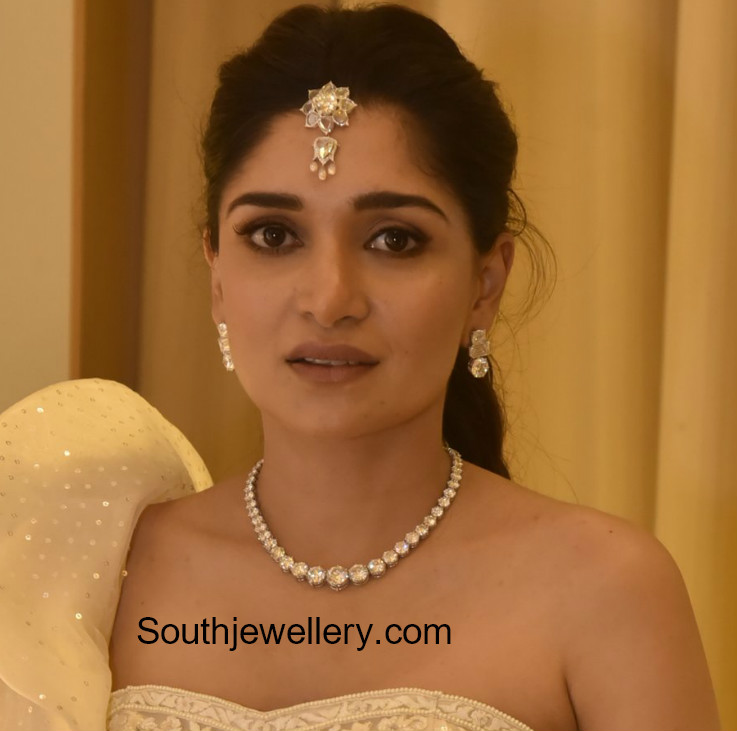 dia bhupal solitaire diamond necklace