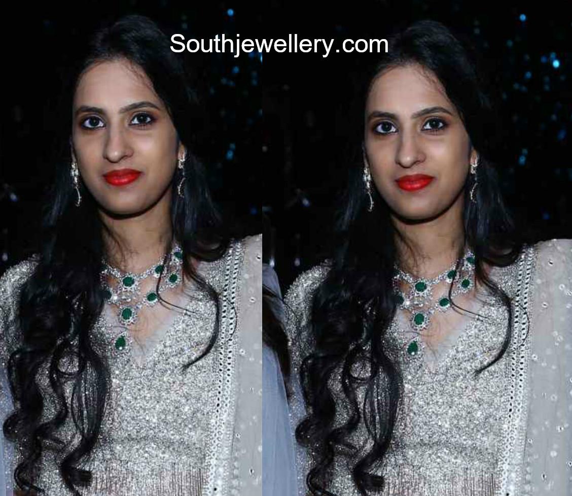 kavya reddy diamond emerald necklace