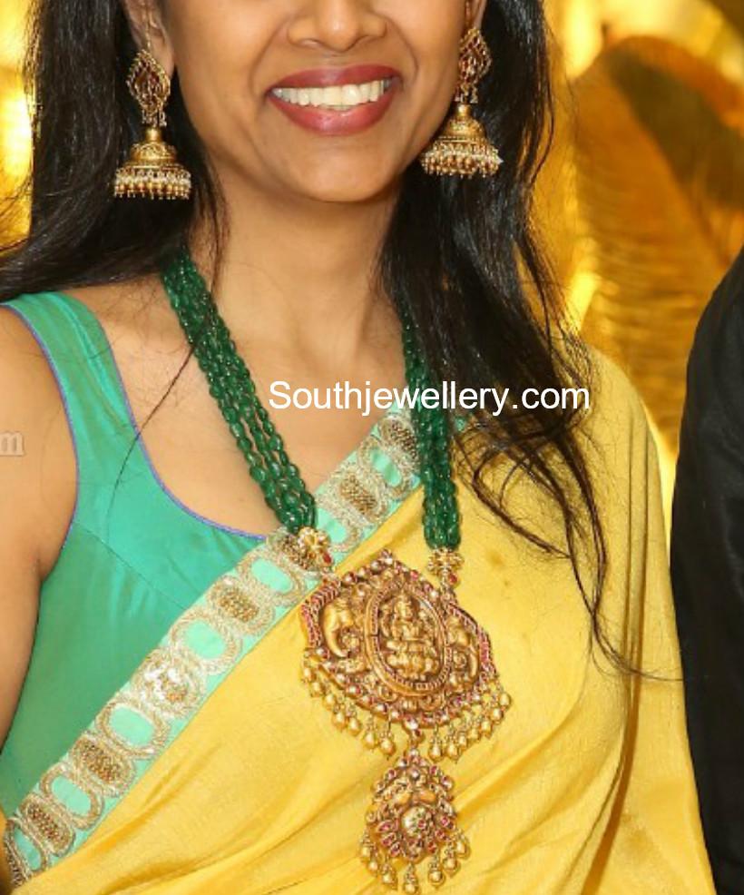 emerald mala lakshmi pendant