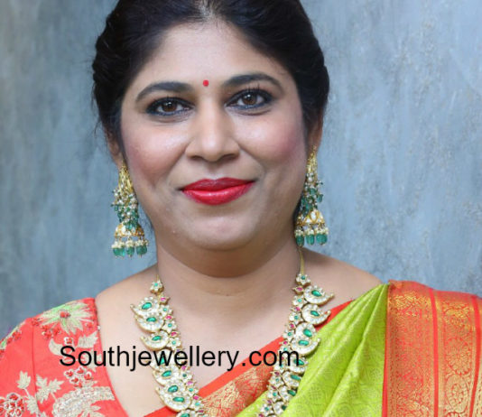 swetha reddy pearl necklace