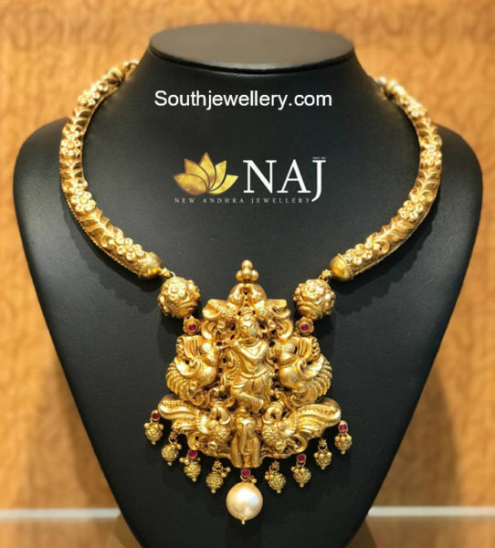kanthi necklace with lord krishna pendant