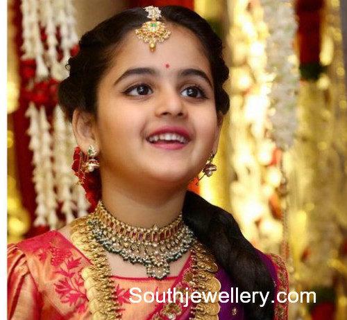 small girl gold jewellery