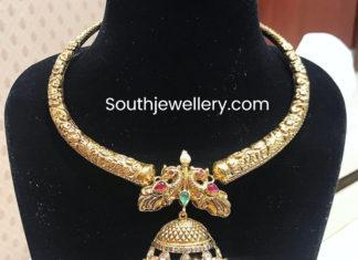 kanthi style necklace with jhumki pendant