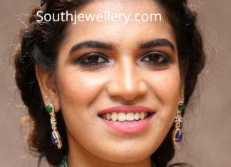 diamond emerald necklace nikhita linga