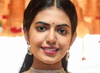 shivani rajasekhar in diamond jewellery