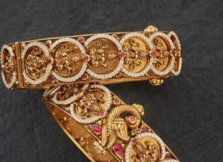 lakshmi kasu bangles in gold