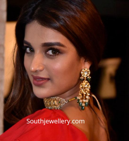 nidhii agerwal gold earrings