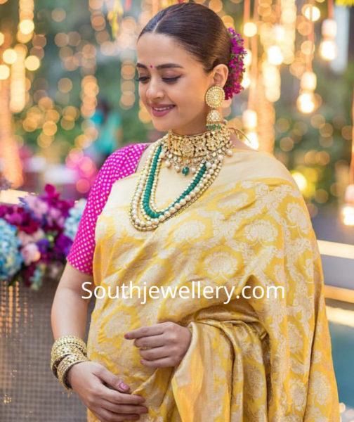 surveen chawla baby shower jewellery photos