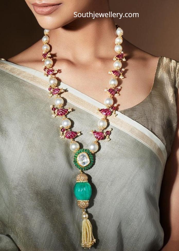 bird motif necklace