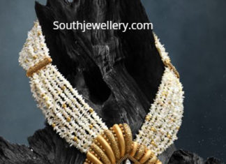 stylish pearl necklace