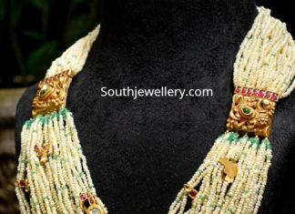 multi starnd pearl necklace