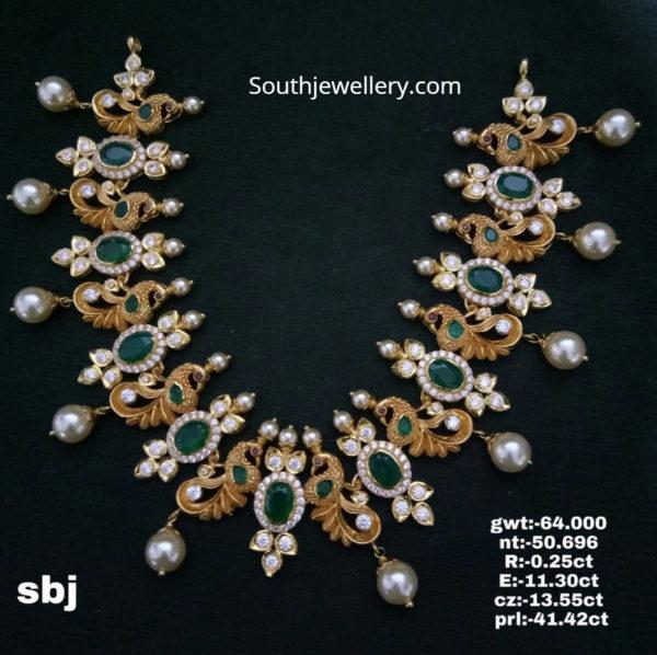 nakhsi gold necklace
