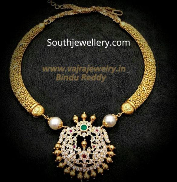 kanthi necklace with diamond pendant