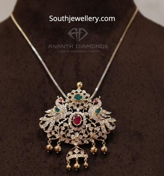 closed setting diamond pendant