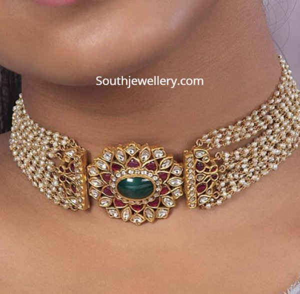 pearl choker with pendant
