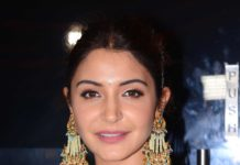 anushka sharma pearl jhoomar earrings (1)