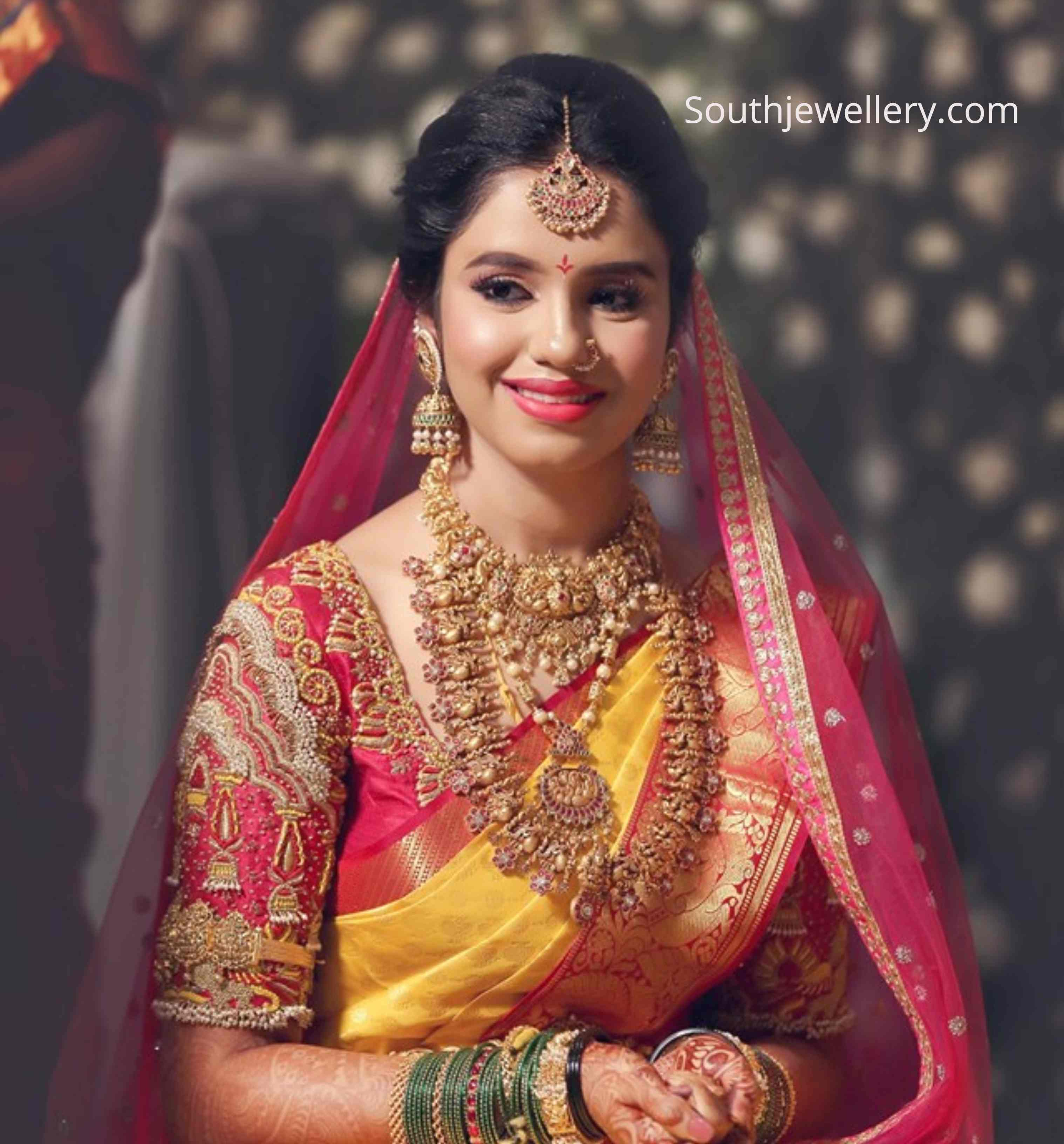 Bride In Antique Gold Jewellery Indian Jewellery Designs