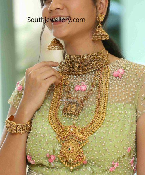 sandhya thota in antique gold jewellery by sri krishna jewellers