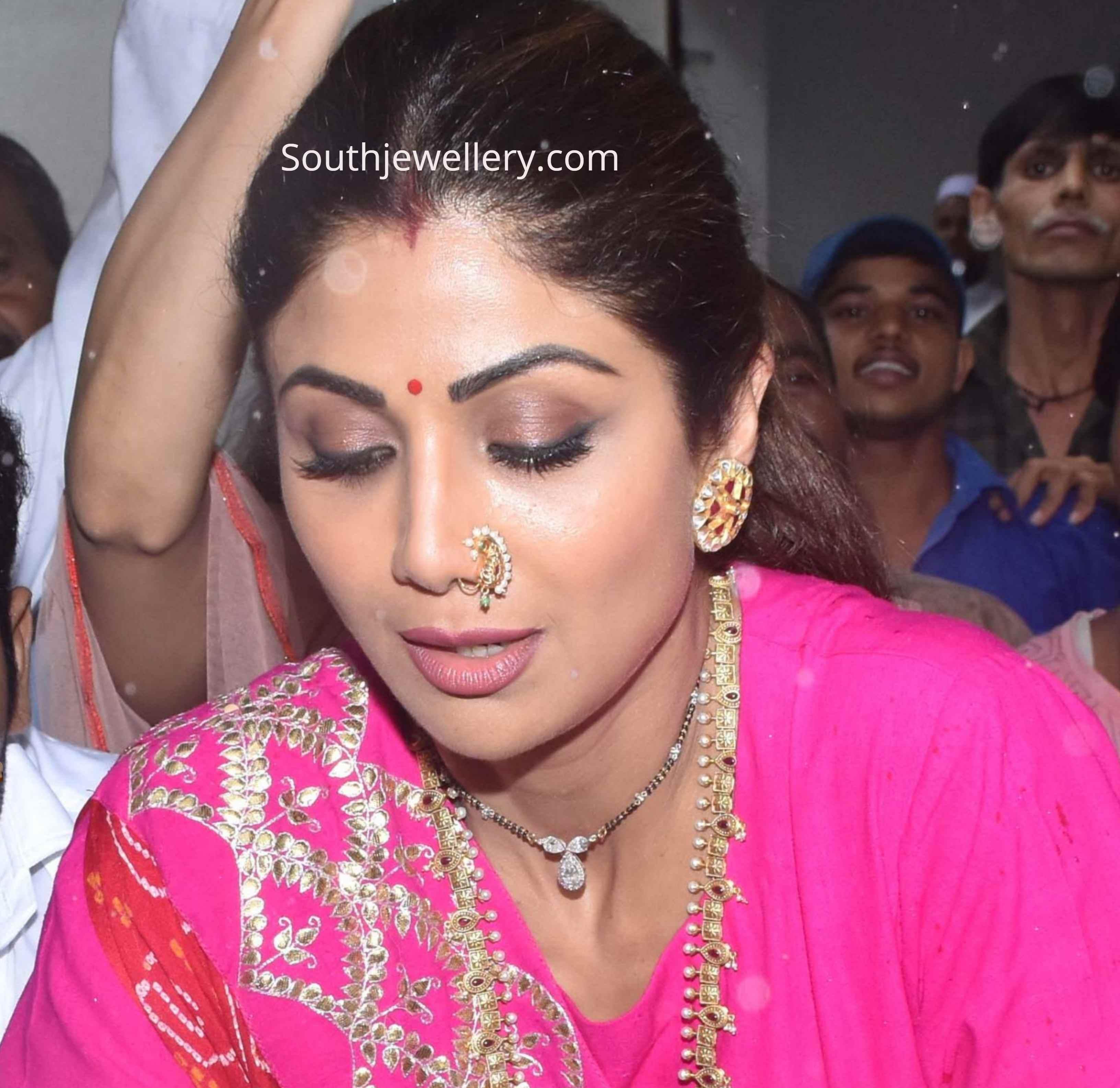 Shilpa Shetty In A Short Black Beads Mangalsutra And Big Polki Studs