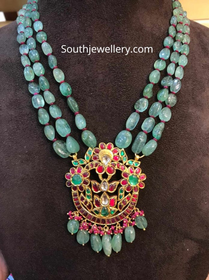 emerald beads long necklace with kundan pendant