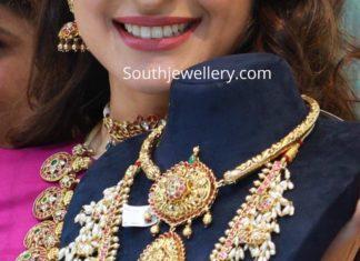 kante necklace and guttapusalu haram
