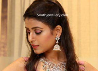 manepally diamond emerald jewellery set (1)