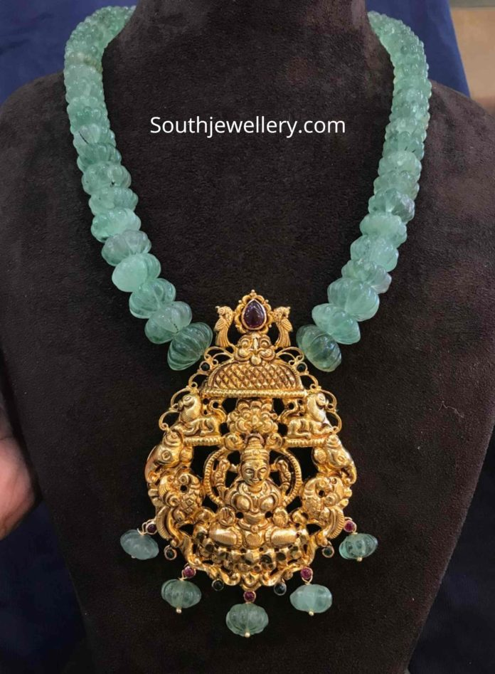 CARVED PUMPKIN EMERALD BEADS NECKLACE WITH PENDANT