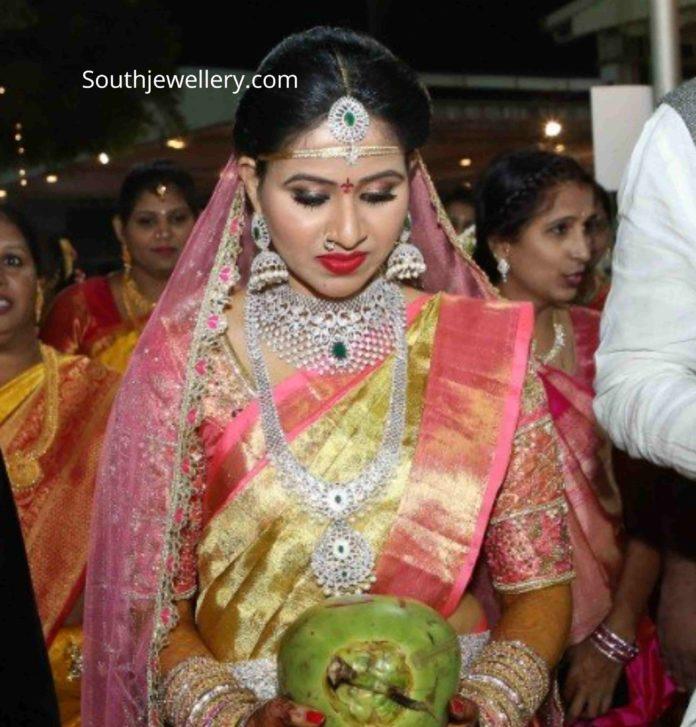 actress manali rathod wedding jewellery (1)