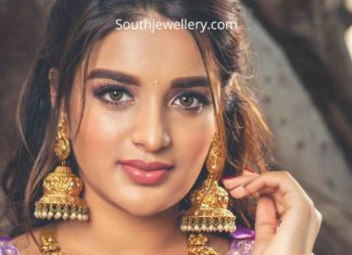 nidhhi agerwal in temple jewellery