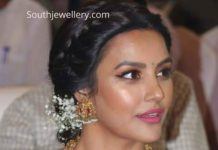 priya anand in temple jewellery