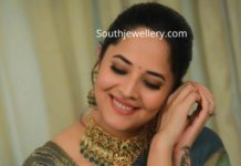 anasuya kundan necklace set