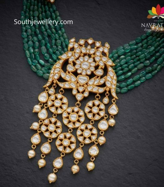 emerald beads necklace with polki pendant (1)