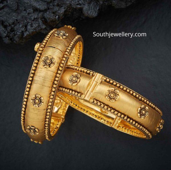 gold broad bangles set
