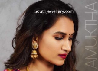 latest gold haram and jhumkas
