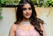 nabha natesh diamond jewellery (1)