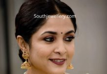 ramya krishnan in gold jewellery (2)