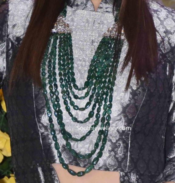 raveena tandon in emerald necklace