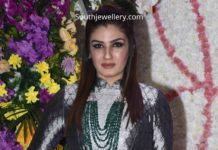 raveena tandon in emerald necklace