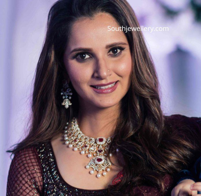 sania mirza in diamond ruby necklace (1)