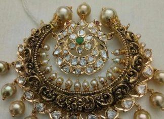 big gold nakshi pendant