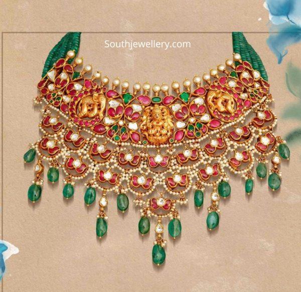 kundan necklace with lakshmi motif