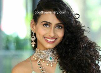 nitya naresh in diamond emerald jewellery (1)