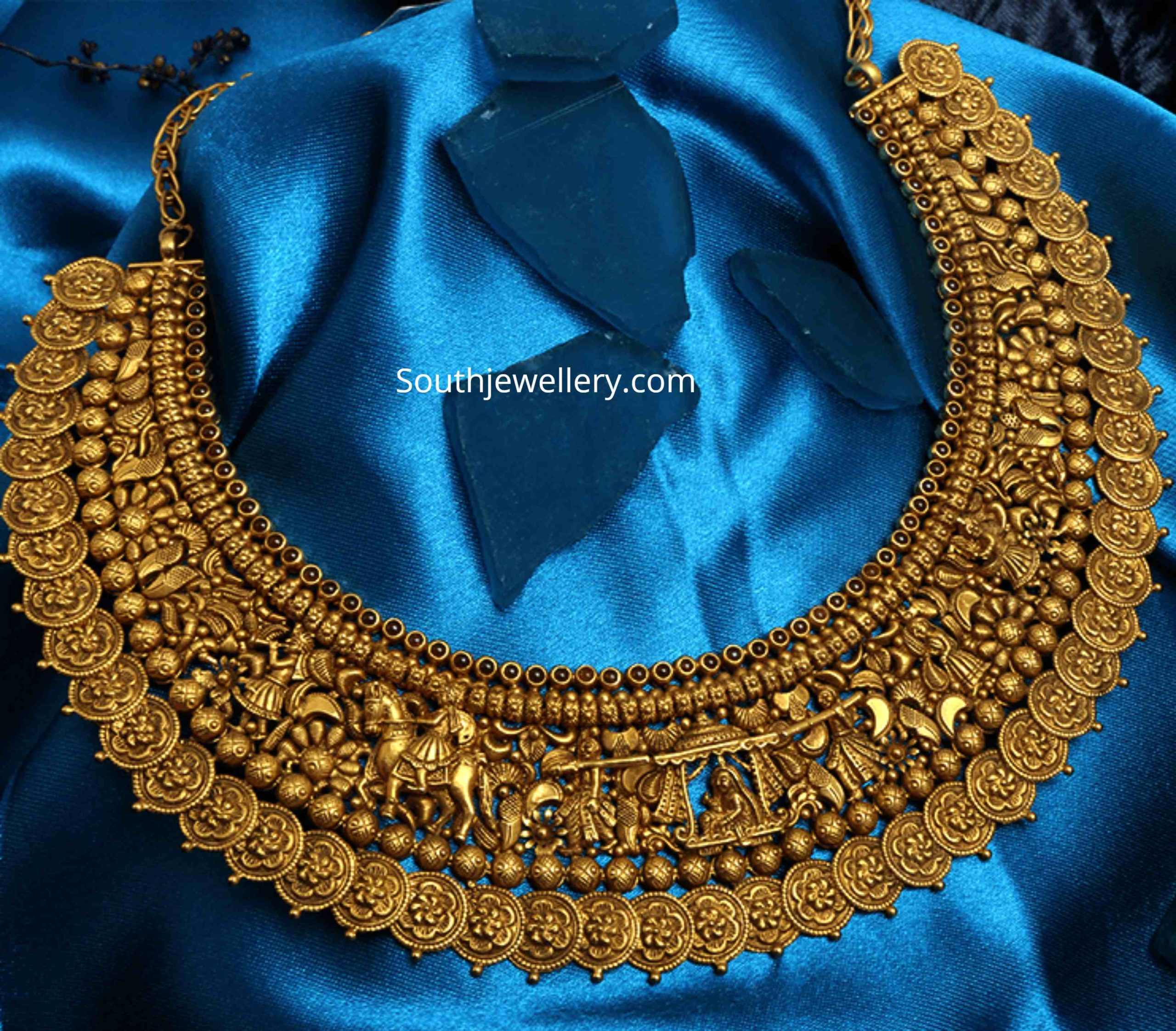 Antique Gold Pallaki Necklace Indian Jewellery Designs