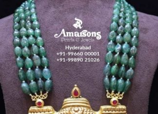 emerald beads necklace with temple pendant
