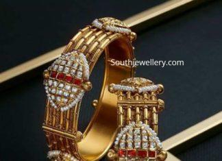 gold bangles by manubhai