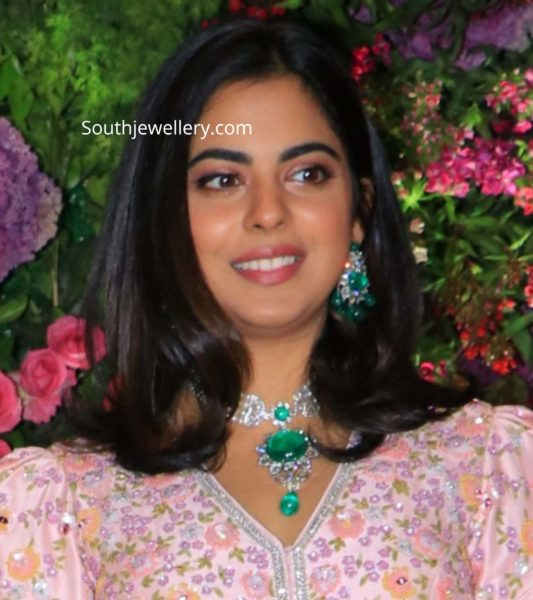 isha ambani in diamond emerald jewellery